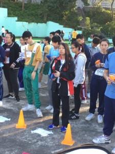 參賽同學作賽前準備